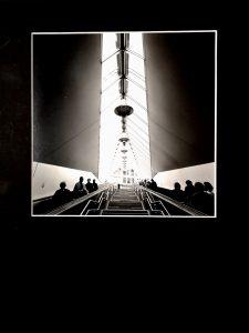 Escalator, original Sw Fotografie auf Pe Papier